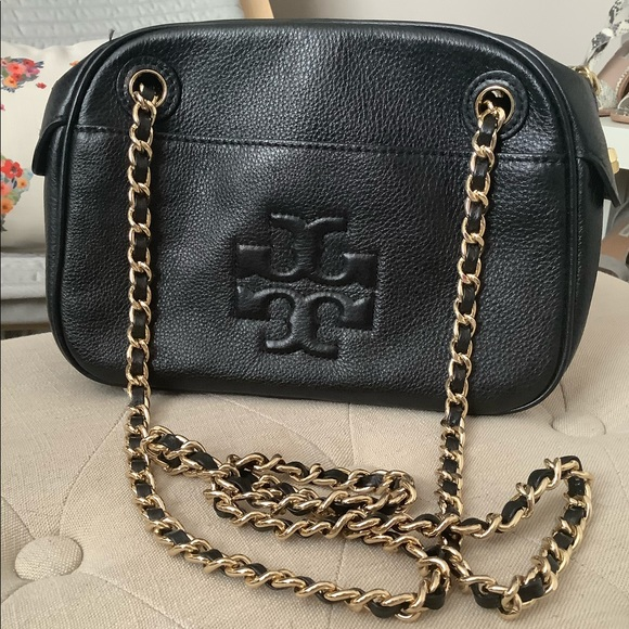 Tory Burch Handbags - Tory Burch purse with gold chain